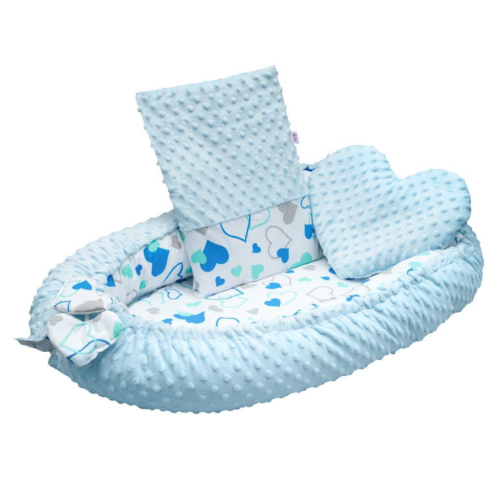 Luxusní hnízdečko s polštářkem a peřinkou New Baby z Minky modrá srdíčka