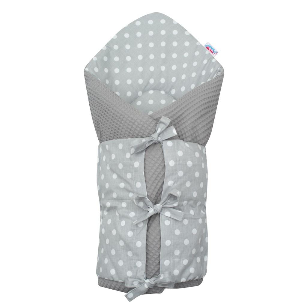 Klasická šněrovací zavinovačka New Baby Vafle šedá s bílými puntíky